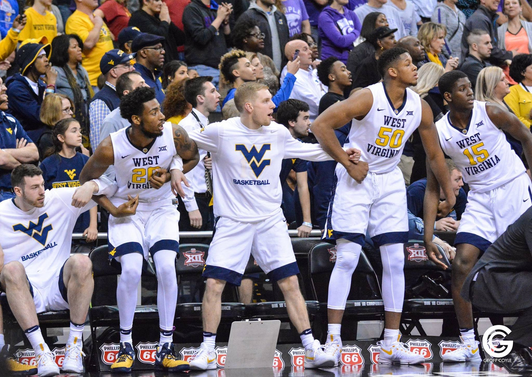 The WVU bench watches the final Kansas State possession as the Mountaineers beat the Wildcats 51-50 in the Big 12 semifinal. (PHOTO: Geoff Coyle)