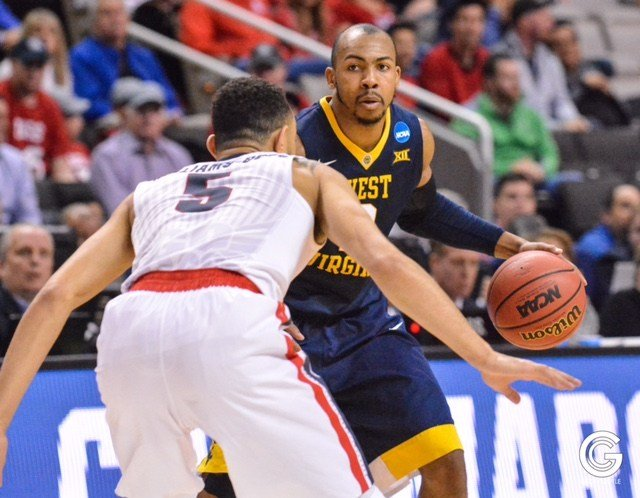 Jevon Carter finished with a game-high 21 points as WVU falls 61-58 to Gonzaga in the Sweet Sixteen. (PHOTO: Geoff Coyle)